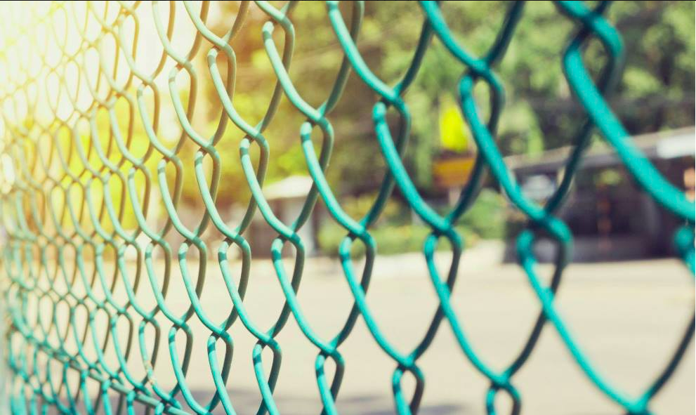 The Cost of Chain Link Fence vs Wood Fence