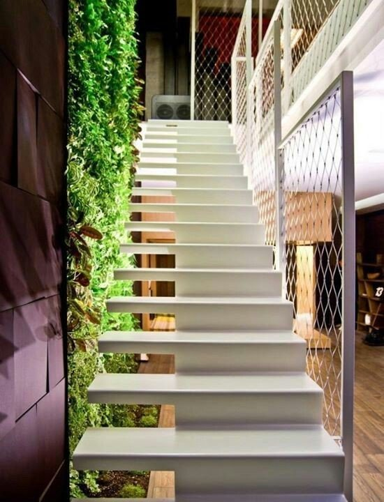 chain-link-stairwell-example-pinterest-amyburke125-Quality-Chain-Link-Fencing-Kelowna.