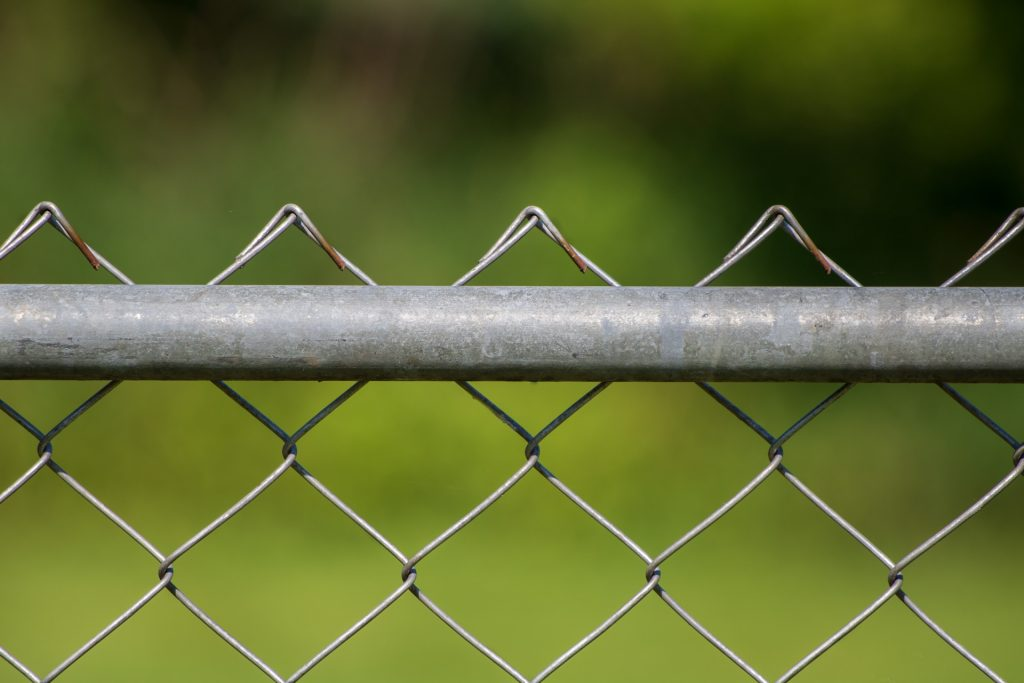 How to Dispose of a Chain Link Fence